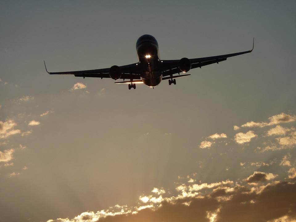 aircraft-464296_960_720
