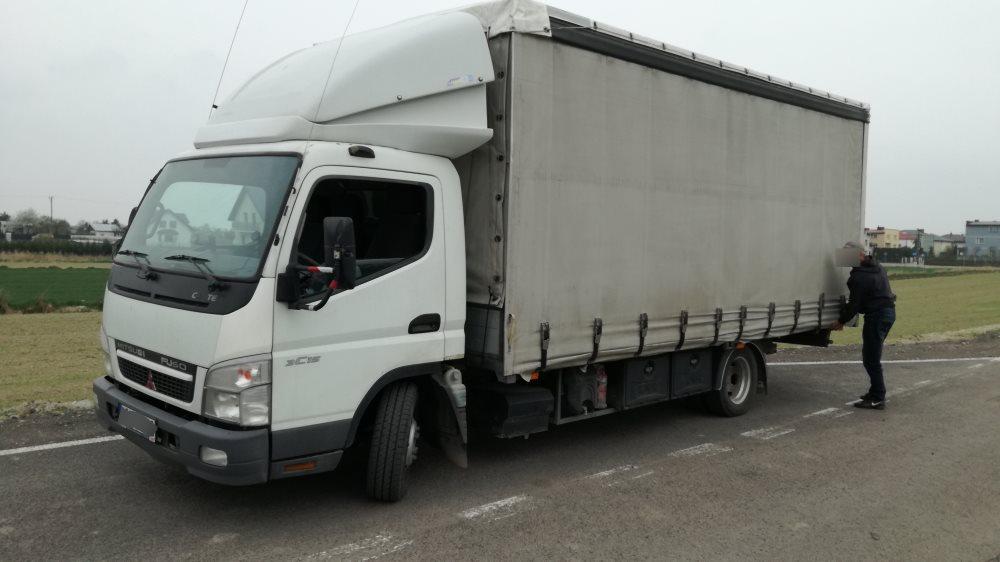 Modne ubrania Przeładowane pojazdy dostawcze. Zamiast 3,5 tony ważył ponad 7,5 ZU71