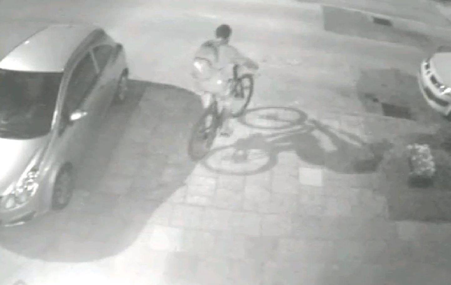 2018-07-12_19-59_Lublin- Ukradł rower. Kto go