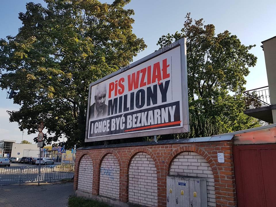 Ruszyła Kampania Wyborcza Agitacja W Kościele Plakaty Na